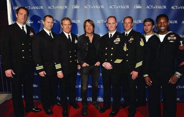 Keith Urban w/US Navy Seals  AP